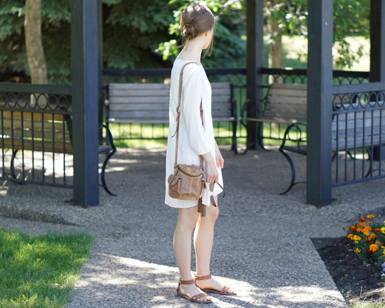 white dress and suede purse9